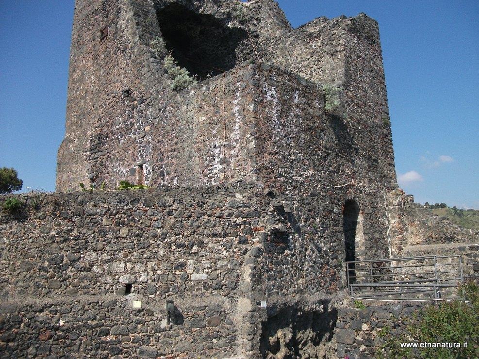 Castello_di_Aci_Castello
