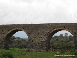 Acquedotto romano Valcorrente: 943 visite da giugno 2018