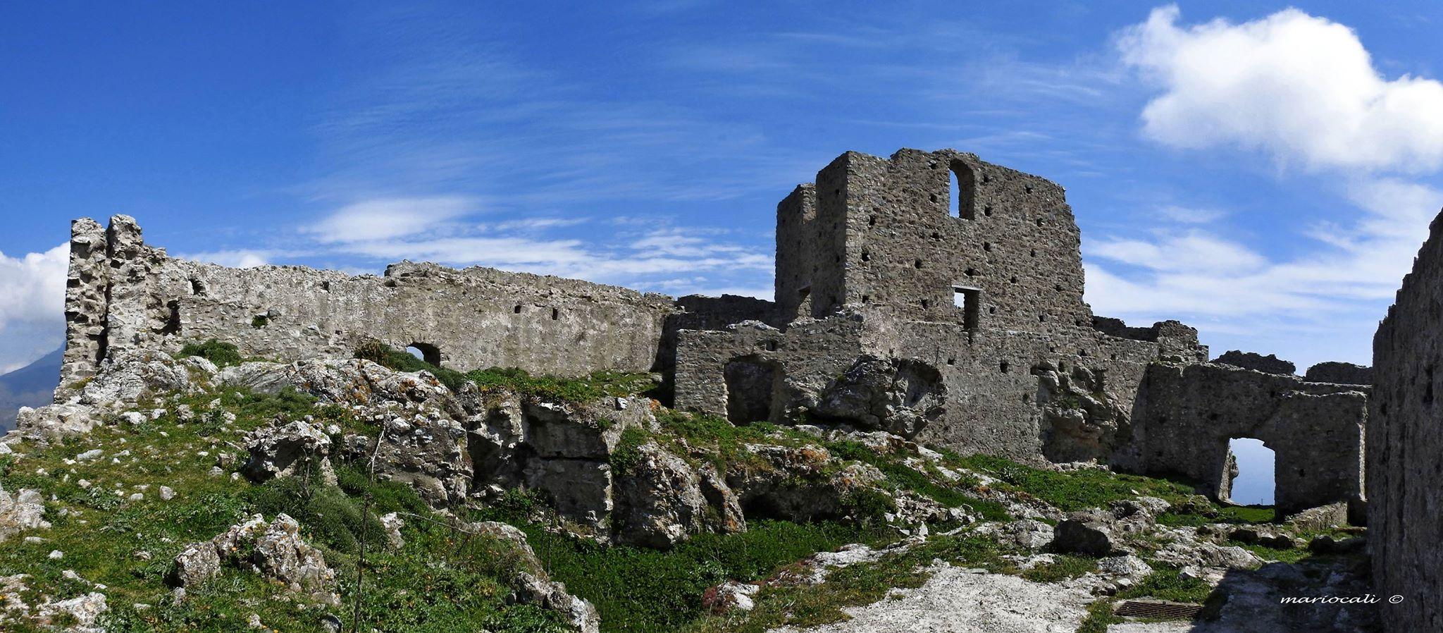 Castello Fiumedinisi