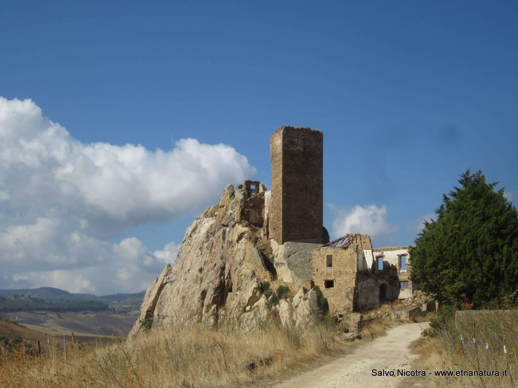 Castello_Pietratagliata