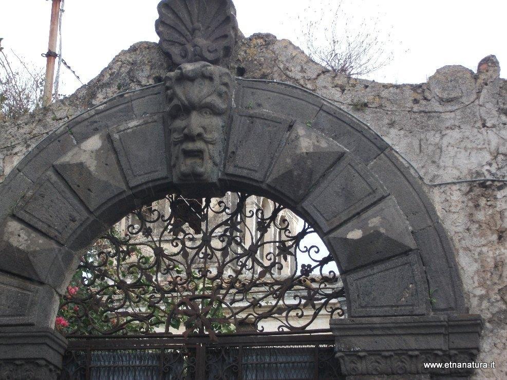 Castello_degli_Schiavi
