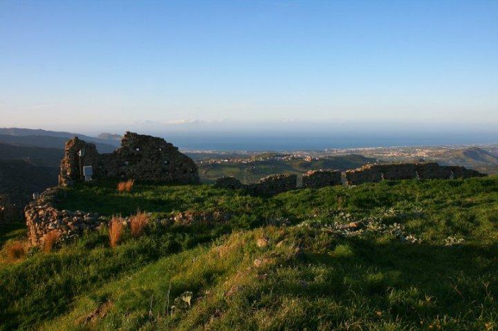 Castello_di_Tripi