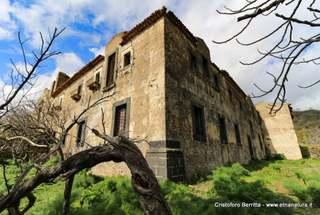 Convento Frati Minori Malvagna: 693 visite da giugno 2018