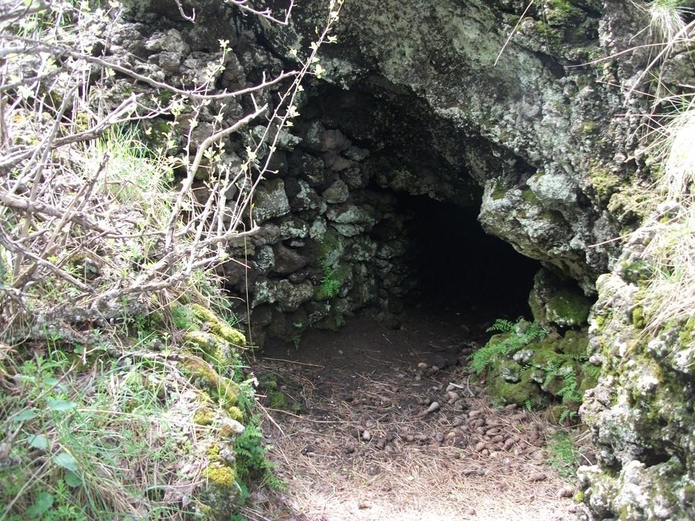 Grotta Gussonea