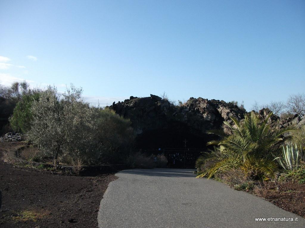Grotta Madonna della Roccia