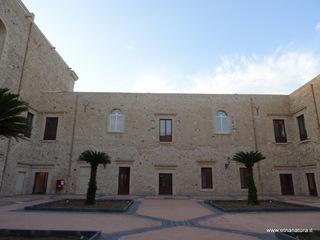Monastero San Benedetto Militello: 374 visite da giugno 2018