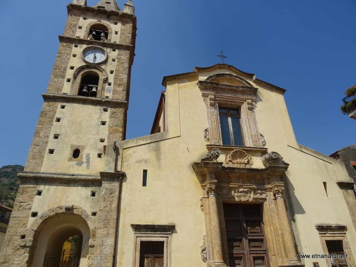Piazza Duomo Mandanici