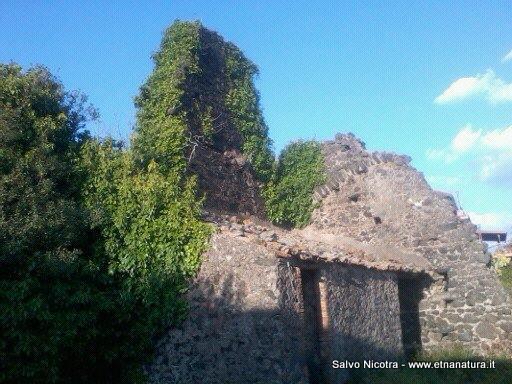 Etnanatura il portale dell 39 etna sentieri - Torre del grifo piscina ...