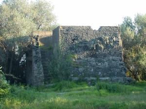 Monumento funerario collina Laucatia
