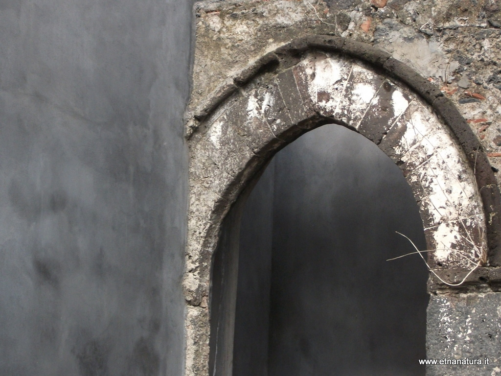Carcere_romano_chiesa_dei_Minoritelli_25-01-2009 04-30-25