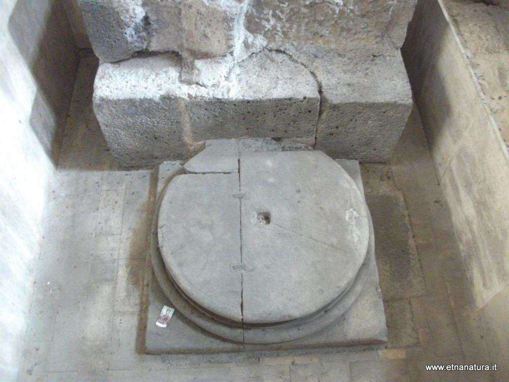 Duomo_colonne_romane_08-01-2014 11-03-59