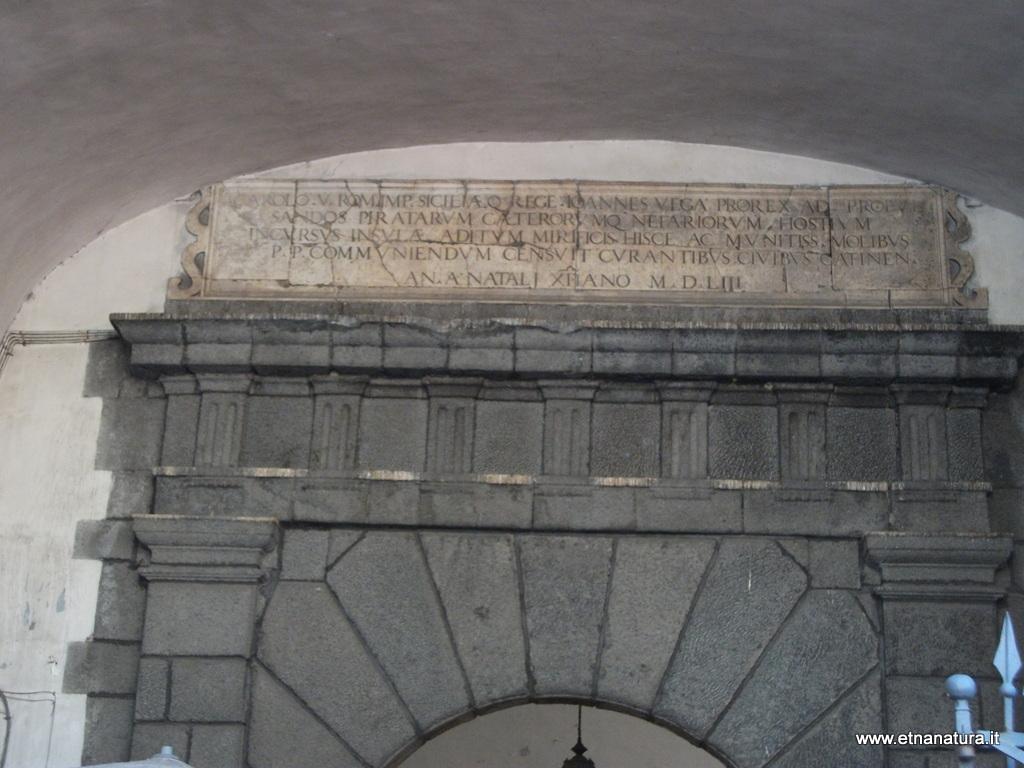 Porta Carlo V