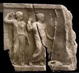 Demetra e Core ritrovata a piazza Santa Nicolella